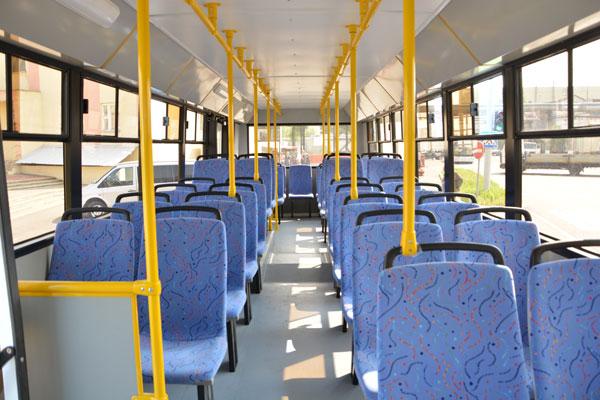 Салон автобуса без  ремней безопасности